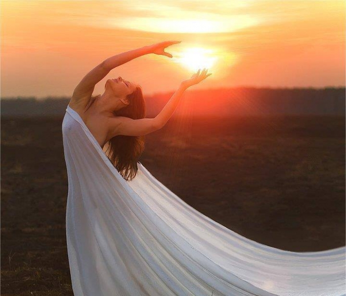 Xορεύοντας προς τη Mεταμόρφωση Kέντρο Aγγελικής αγάπης & φωτός