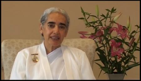 Ένας Ήρεμος Νους σε Ταραγμένους Καιρούς, με την πρέβειρας ειρήνης και master Yogi Sr Jayanti