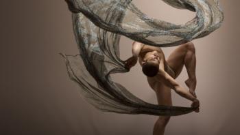 «Χορεύοντας με την ενέργεια» - Χοροθεραπεία με τη Λήδα Shantala